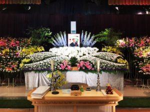 [事例紹介]お別れ会祭壇花