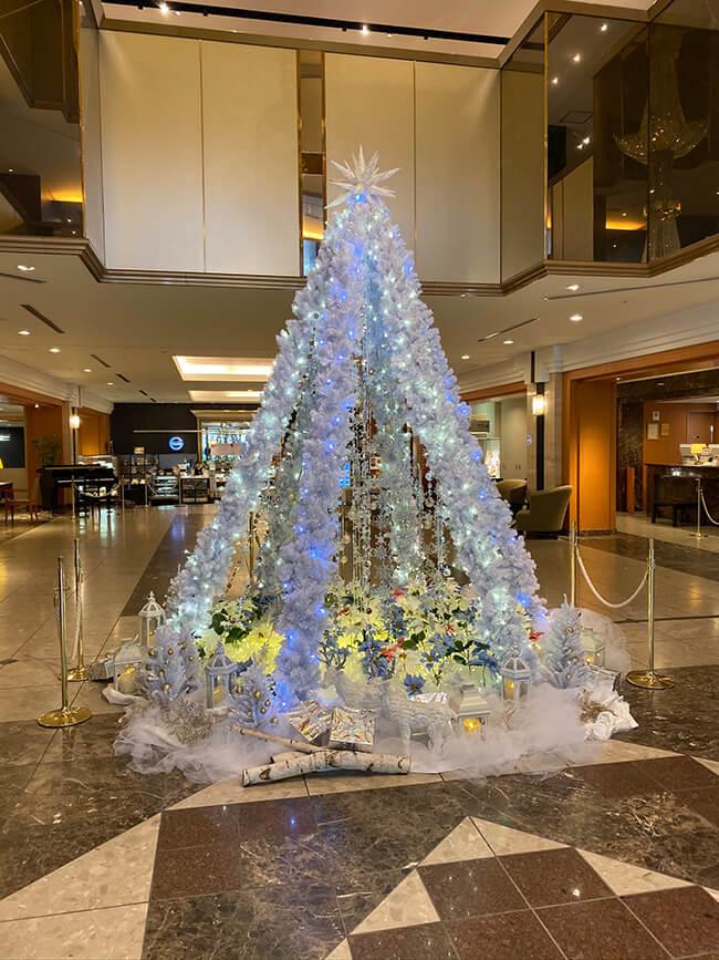 ホテルロビークリスマスディスプレイ1