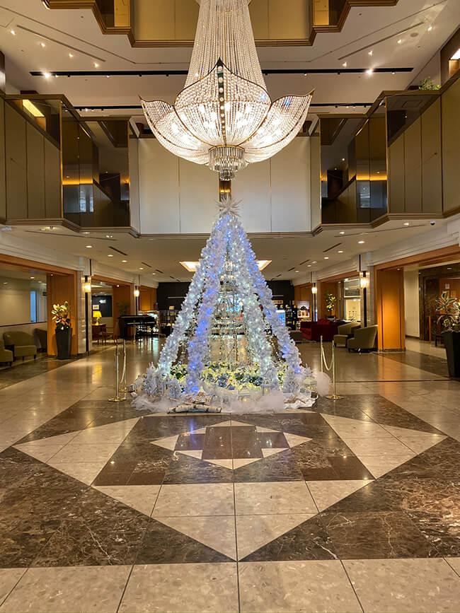 ホテルロビークリスマスディスプレイ2