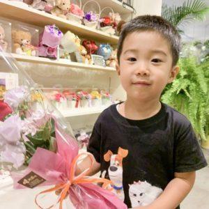 【笑顔を運ぶ花贈り】プレゼント用のかわいい花束