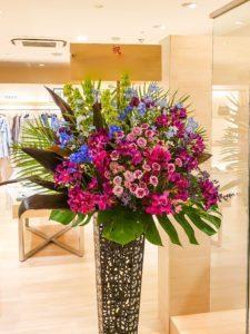 【事例紹介】婦人服店のオープンにお祝いスタンド花を