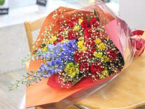 【今日の花贈り】奥様の誕生日に贈る花束